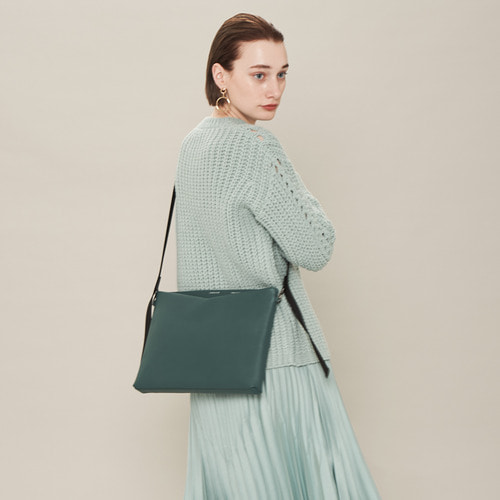 [ESSENTIAL BY UM] V ZIP CROSSBODY JUMBO - SEAFOAM GREEN
